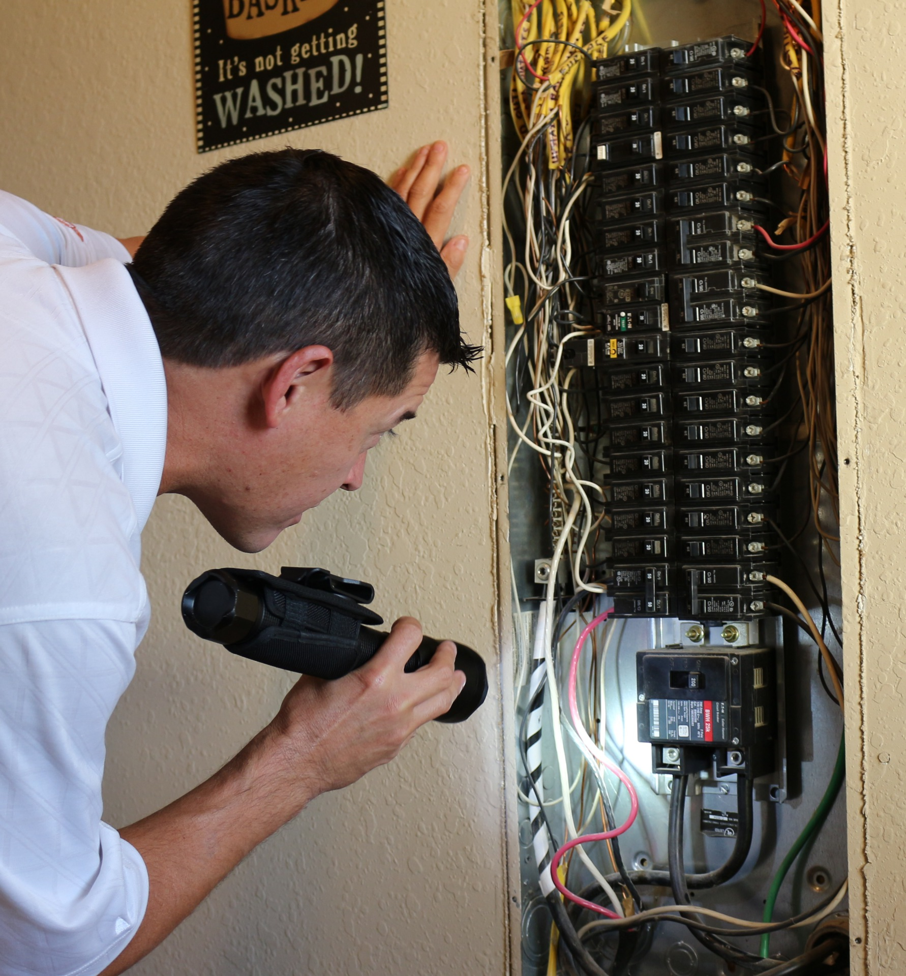 Electrical Main Panel / Checking for safe distribution of Branch Wiring